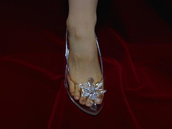本当に履けるシンデレラのガラスの靴